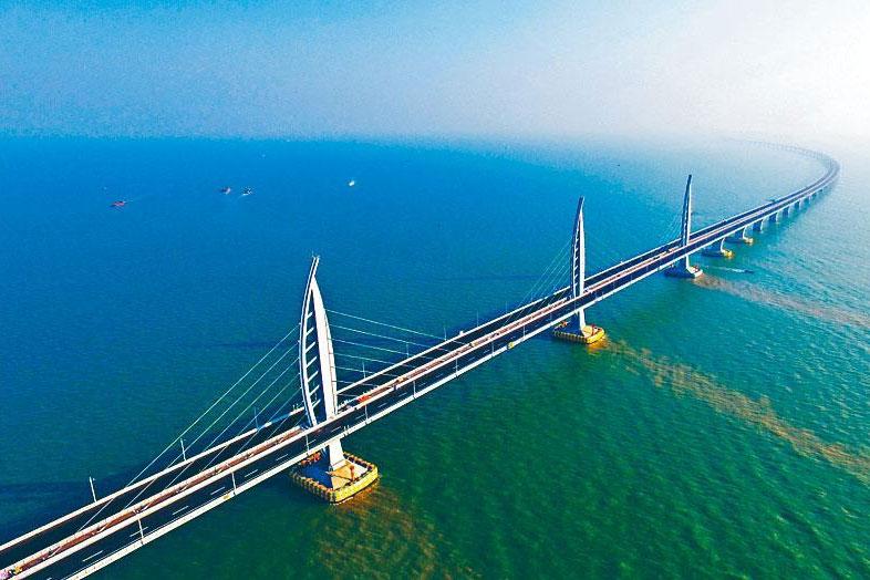 Bridge,Cable-stayed bridge,Extradosed bridge,Fixed link,Suspension bridge